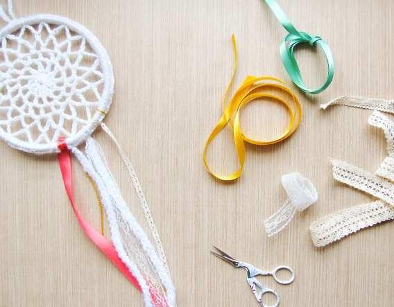 Imagen final de un atrapasueños casero crochet